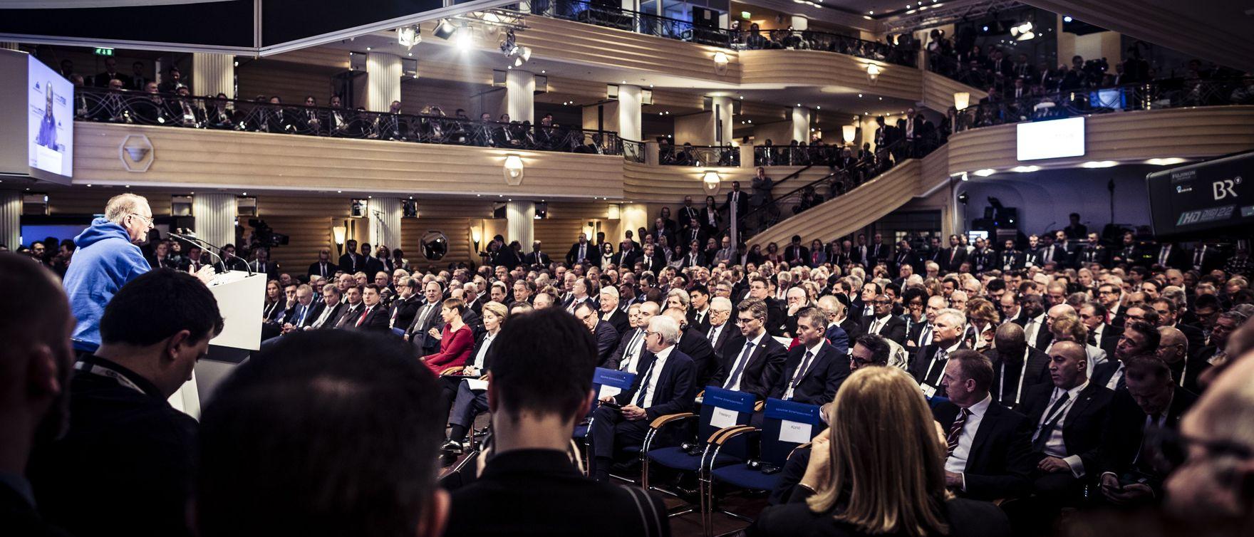 DOLAZI ČETRDESET ŠEFOVA DRŽAVA I VLADA!  Na konferenciji o sigurnosti u Muenchenu raspravljat će se o klimatskim promjenama, budućnosti europskog projekta…